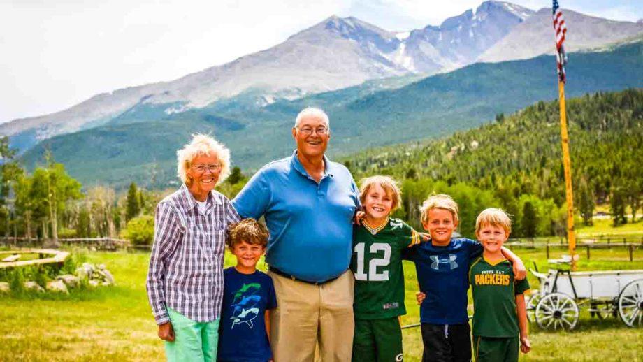 Grandparents and grandchildren group shot